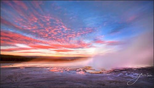 ghosts of spasm geyser yellowstone 500x285 Become a Better Photographer in 90 Seconds   24 One Line Tips