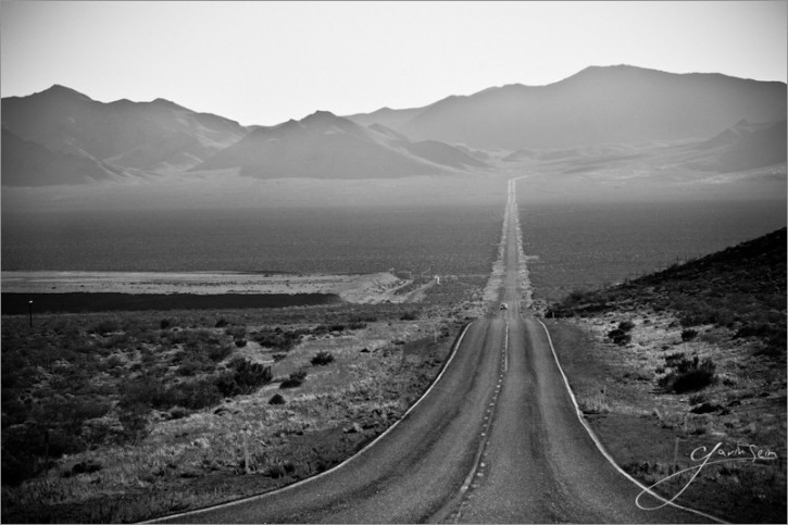 Seim  1 725x483 Entrance to Death Valley.