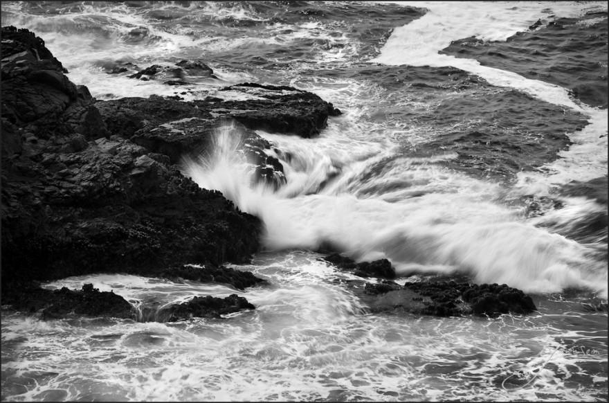 The Striking Waves - Frame2