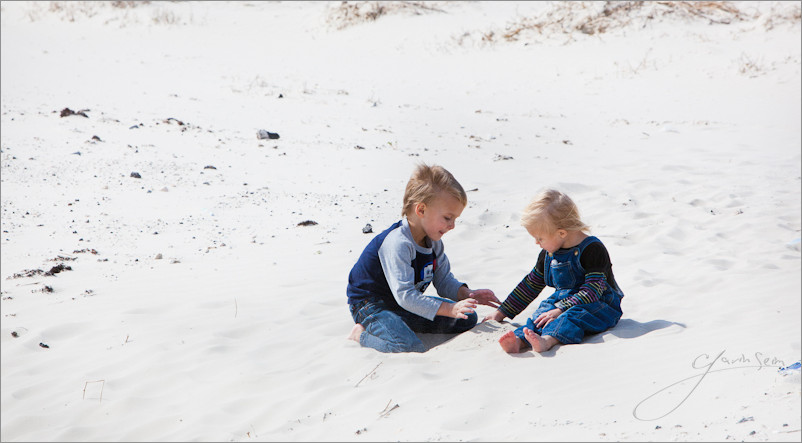 The Seim kids on the beach3 Super Camping: How A Photographer & His Family Spend Months Road Tripping